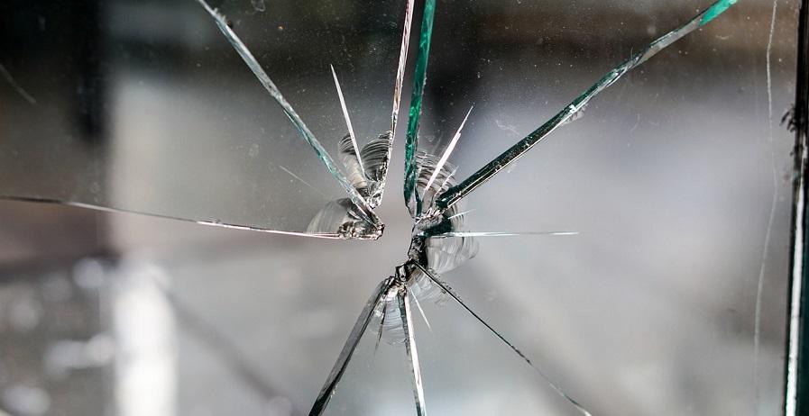glass-1497232_1280