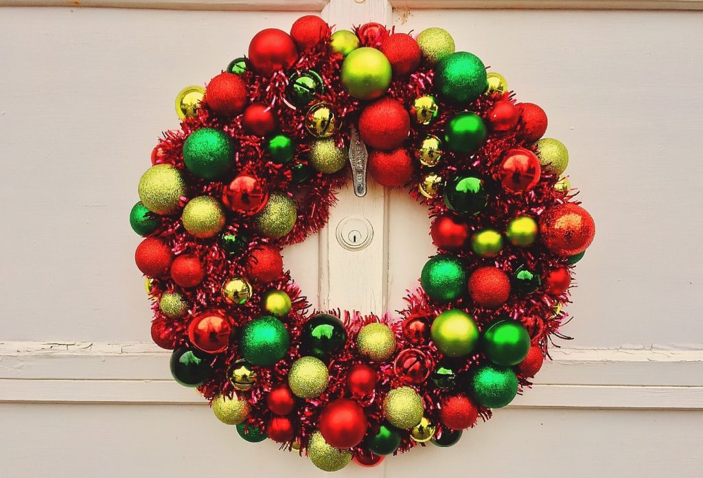 christmas gifts for tenants xmas present wreath decorations