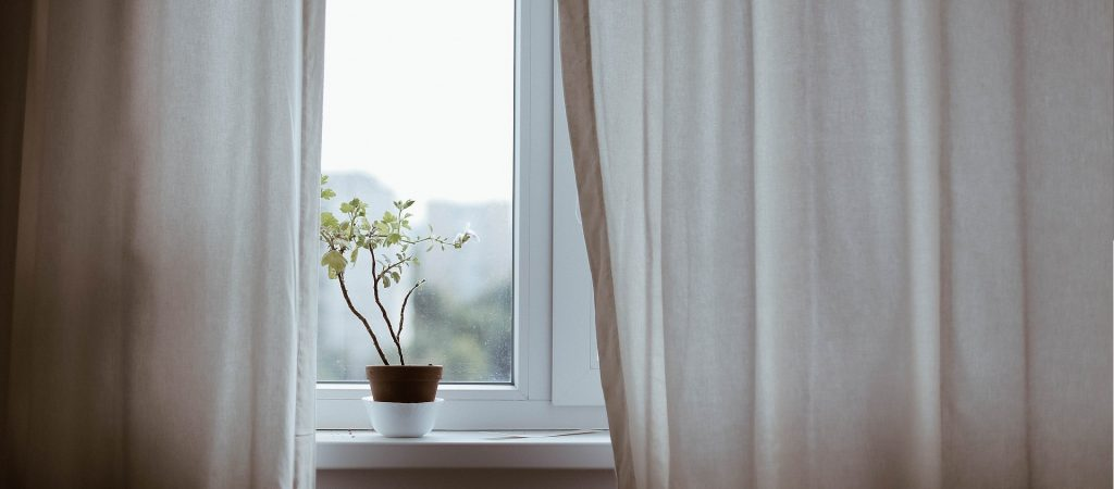 how to stay warm in winter renters tenants landlords curtains insulation